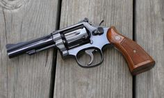 S & W Model 15 Combat Masterpiece Smith And Wesson Revolvers, Smith N Wesson, Revolver Rifle, Weapon Of Mass Destruction, Gun Art, Survival Equipment, Military Guns, Knives And Swords, Guns And Ammo