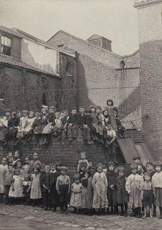 Poole Square, Spitalfields by Horace Warner via Spitalfields Life Victorian London, Vintage London, Old London, East London, Victorian Era, London History, British History, American History, Vintage Pictures