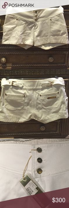 Must have! Roberto Cavalli 42 wht mid-rise shorts Must have! Roberto Cavalli 42 wht mid-rise shorts. Adorable!! Fits (6/8) expensive but worth it! Roberto Cavalli Shorts