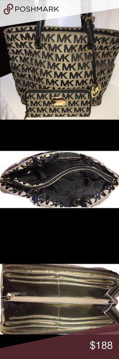 Michael Kors Tote & Wallet Excellent condition Michael Kors Bags Totes