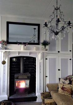 The newly painted lounge of our 1925 New Zealand Railway Cottage. Resene House White, French Grey and Greywacke. Shabby Chic Farmhouse, Farmhouse Decor, French Grey, Cottage Ideas, Colorful Interiors, Cottages, New Zealand, Theatre, Villa