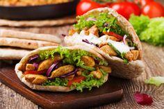 Pita salad with roasted chicken and vegetables, served with a. Chicken Pita, Chicken Gyros, Roasted Chicken, Pita Kebab, Gyro Pita, Greek Dishes, Main Dishes, Gyro Recipe, Breakfast