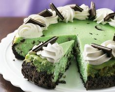 Chocolate Grasshopper Cheesecake  #topofthemornin #stpattysday #march #holidays #stpattys #green #rainbow #stpatricksday #shamrocks #holidaybaking #holidayrecipes #recipes #holidaytreats #stpattysdaytreats