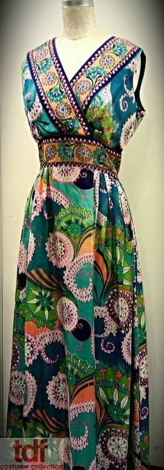 After spring comes summer! This is another Maxi Dress with a fabulous pattern.  It's made of a fabric that would be suitable to wear with a bathing suit underneath. #TDFCC #KeepingUpWithTheCostumes #1970s