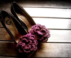 Looking for crocheting project inspiration? Check out Mrs. Jack Horners Plum Pudding Shoe Clip by member francine toukou.