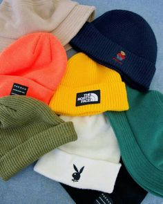 Cute Lazy Outfits, Outfits With Hats, Teen Fashion Outfits, Retro Outfits, Mode Outfits, Trendy Outfits, Beanie Outfit, Beanie Hats, Cute Beanies