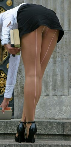 Pantyhose Lovers, Nylons And Pantyhose, Stockings Heels, Stockings Lingerie, Sexy Legs And Heels, Hot Heels, Sexy Stiefel, Stocking Tights, Cars Motorcycles