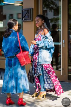 Sarah Brody and Rajni Lucienne Jacques by STYLEDUMONDE Street Style Fashion Photography_48A8979