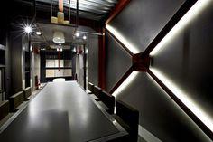 Caroscope - Showroom Novoceram - Matériauthèque #carrelage #carreau #echantillon #showroom http://www.novoceram.fr/blog/scenographies/caroscope