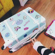 Morri de amores por essa mala da @dicadaka  Quero uma pra minha vida rs  by tacielealcolea