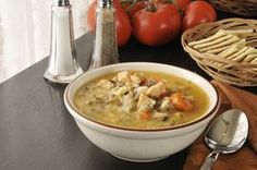 Create this delicious creamy mushroom soup in the crockpot during a long day at work! Use your choice of veggies to fill out this tasty chicken soup. Hot Soup Recipes, Healthy Crockpot Recipes, Healthy Breakfast Recipes, Diet Recipes, Diet Meals, Creamy Mushroom Soup, Mushroom Chicken, Cooking Light, Meals For One