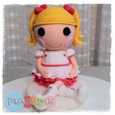 Lalaloopsy Dolls - Gumpaste figures to decorate a cake.