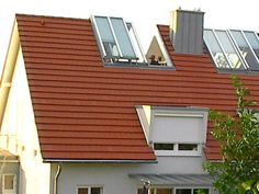 Our sliding roof window consists of a window wing that can be electrically lifted. As soon as the first window sash is fully raised, the second sits to save space. Mansard Roof, Design Apartment, Dormer Windows, Roof Window, Attic Conversion, Wooden Pergola, Garden Architecture, Roof Light, Attic Rooms