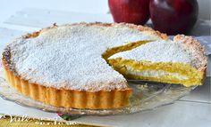 Crostata morbida con mele e ricotta, un dolce con un guscio friabile di pasta frolla ed un cuore morbido di ricotta e mele,ideale per colazione e merenda