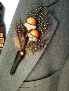 Acorns with crow feathers and rosemary???  Facebook - www.facebook.com/outdoorcampus Our website www.outdoorcampus.org/