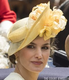 July 12, 2017 - Queen Letizia in 'María Nieto'   The Spanish state visit officially began today w/ the ceremony, pomp & circumstance we've all come to expect from these type of events. For this morning's official welcome, Queen Letizia followed the usual British royal dress code for a state visit & donned a hat (the 4th hat we've seen her wear!)   Spanish State Visit Official Welcome Ceremonies   The Court Jeweller