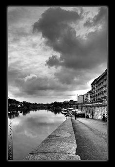 Torino. Murazzi e nuvole