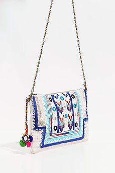 Bolso blanco bordado étnico azul