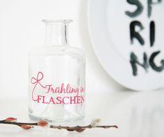 """Vase """"Frühling in Flaschen""""  von  GuteGaben   auf DaWanda.com"""