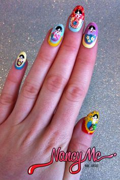 WOW! I need Russian Doll nails.