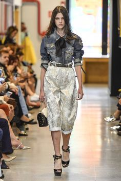 Coleção // Samuel Cirnansck, SPFW, N44 // Foto 29 // Desfiles // FFW Estilo Fashion, Ideias Fashion, Samuel Cirnansck, Marcel, High Fashion, Sequin Skirt, Runway, Skirts, Outfits