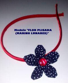 Diadema con flor plisada de tela azul-rojo