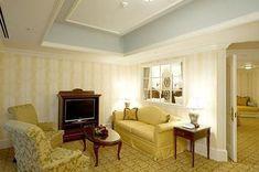 国内にある数多くの魅力的な宿の中から、一度訪れたら一目惚れ必須の「絵になる」宿を厳選して10ヶ所ご紹介。異国情緒溢れる海外風リゾートから100年以上の歴史を持つノスタルジックな老舗宿まで!あなたのお気に入りの宿が、きっと見つかるはず♪ Home Decor, Decoration Home, Room Decor, Interior Decorating