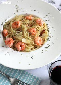 Directo al Paladar - Espaguetinis con gambas al ajillo. Receta exprés de pasta con tres ingredientes