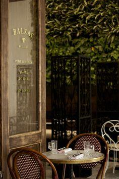 Balzac Brasserie, um restaurante francês em Singapura - Bravo Company, via Behance