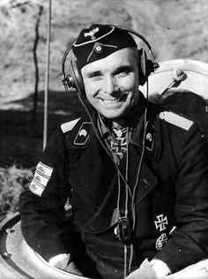 Major d.R. Franz Bäke. Kdr. II./Pz.Rgt. 11.  RK 11.1.43. E. (262) 1.8.43. S. (49) 21.2.44.