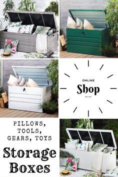 Unsere Kissenbox bietet viel Stauraum und schützt Ihre Kissen, Decken und Polster vor Regen und Sonne. Dank der zwei praktischen Griffe an den Seiten ist die Gartentruhe leicht zu transportieren. Der aus Rattan gefertigte Deckel lässt sich mittels zwei Gasdruckfedern spielend leicht öffnen und schliessen. Eine schwarze Innenhülle verhindert das Eindringen von Schmutz und Insekten. Toy Storage Boxes, Rest, Pillows, Toys, Be Creative, Modern Outdoor Furniture, Waiting, Insects, Ceilings