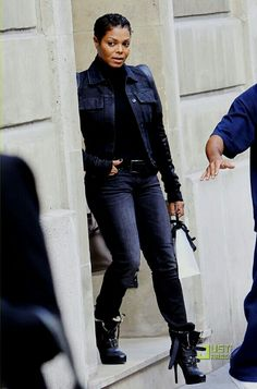 Janet Jackson love her boots!!!