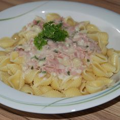 Recipe Ham and Cream Sauce by - Recipe of the category other main dishes Shrimp Recipes For Dinner, Healthy Pasta Recipes, Healthy Pastas, Cooking Recipes, Ham Pasta, Cooking Instructions, Pumpkin Recipes, How To Cook Pasta, Food Inspiration