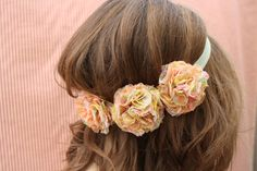 loving the colours in this pretty headband made by sunshineandcarousels