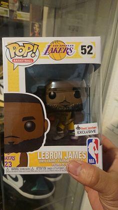 Funko POP! Basketball - LA Lakers - Lebron James - Footlocker Exclusive  52 5ea36cbb9