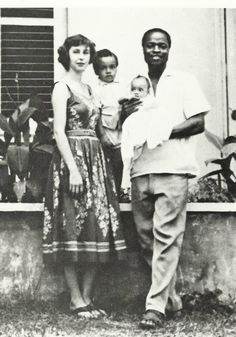singer Sade as a baby with her parents and older brother Quiet Storm, Easy Listening, Divas, Sade Adu, Afro, Jazz, News In Nigeria, Interracial Love, Cinema