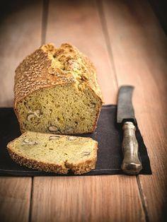 Ένα νόστιμο και ιδιαίτερο ψωμί με μέλι και σαφράν που θα συνοδεύσει πολύ ωραία τα πιάτα που θα σερβίρετε σε ένα κυριακάτικο ή γιορτινό τραπέζι.