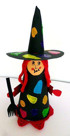 Hexe aus Tonpapier -  Halloween-basteln - Meine Enkel und ich