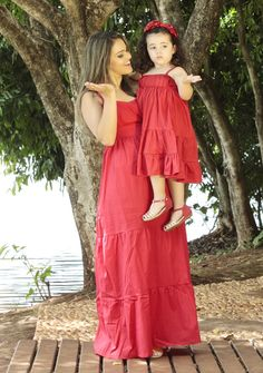 25 Lovely Mommy And Daughter Outfits - Bafbouf Mom And Baby Outfits, Mother Daughter Matching Outfits, Mother Daughter Fashion, Mom Daughter, Family Outfits, Kids Outfits, Girls Dress Up, Mom Dress, Baby Dress