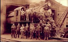 1910-1920 picture of railroad workers