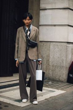 The Best Examples for Korean Street Fashion Model Street Style, Street Style Trends, Street Style Women, Street Style 2018, Look Fashion, Fashion Outfits, Womens Fashion, Fashion Design, Fashion Trends