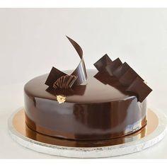 Вот уже в третий раз для одной и той же семьи повторяю ... Cake Recipes, Cake Decorating, Deserts, Food And Drink, Sweet, Instagram Posts, Cakes, Search Engine, Opera