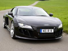 front view of Audi R8 2012