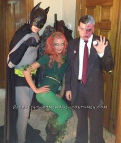 This Bat-Tastic family Halloween group costume was one of my favorites to make and wear out! It was a huge hit at my brothers' Halloween party and didn't m Poison Ivy Halloween Costume, Batman Halloween Costume, Poison Ivy Costumes, Homemade Halloween Costumes, Halloween Costume Contest, Halloween Outfits, Costume Ideas, Halloween Ideas, Costume Box