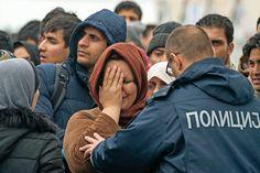 Entidades de Iglesia expresan su preocupación por la falta de respuesta ante este drama Refugiados en Macedonia MIGUEL ÁNGEL MALAVIA   Si 2015 se cerró con la dramática llegada de un millón de refugiados a la Unión Europea (UE), 2016 presenta un panorama peor, al menos en cuanto a su acogida en España. Como constata Vida Nueva en conversación con distintas instituciones de Iglesia, están preocupadas por que la incierta situación política (casi un mes después de las elecciones generales se…