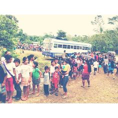 The line of people waiting to receive a gift at the Festival of Smiles hosted by OM Costa Rica this winter for a Christmas outreach. The team traveled to the remote region of Talamanca to minister to the Cabécares and Bribri indigenous groups. Please pray for this region, which is plagued with poverty and rooted in witchcraft.