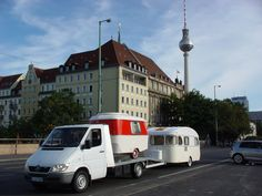 """Pucki"" & ""Wohni"" vor dem Fernsehturm in Berlin Vintage-Caravan.de Caravan, Recreational Vehicles, Vintage, Bavaria Germany, Time Travel, Travel Trailers, Antique Cars, Camper, Vintage Comics"