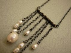 Trickling Pearls Necklace Pearl chain tassel por soradesigns