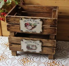Amazing DIY Decorative Boxes Ideas You Will Love For Sure Chicken Painting, Painting On Wood, Wooden Crates, Wood Pallets, Wood Crafts, Diy And Crafts, Decoupage Wood, Altered Boxes, Craft Sale
