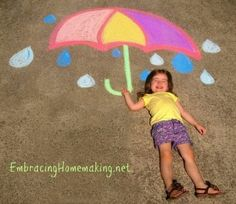 Chalk Drawings for Kids - Another fun item to check off my summer bucket list! - Chalk Art İdeas in 2019 Chalk Pictures, Pictures To Draw, Baby Pictures, Easy Chalk Drawings, Kids Umbrellas, Chalk Design, Sidewalk Chalk Art, Jamel, Foto Baby